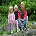 538640_family_photo_three_children_