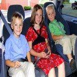 835294_kids_in_their_seat_belts