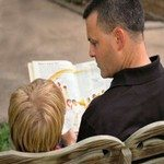 838455_daddy_reading_-_behind