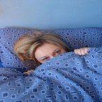 1034045_girl_in_bed