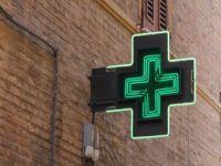 921197_pharmacy_sign200_150