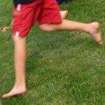 Dětské nohy při hře