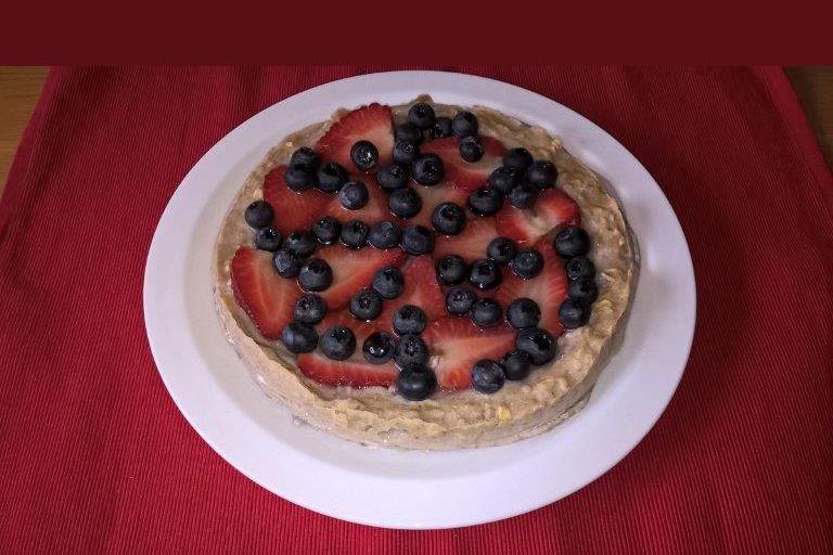Lehký dort s lesním ovocem